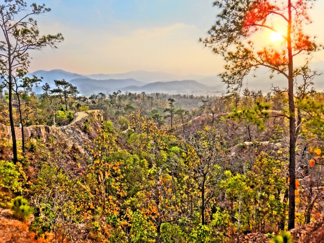 Catch the sunset (and some vertigo) at Pai Canyon.